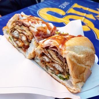 Sandwich Lào